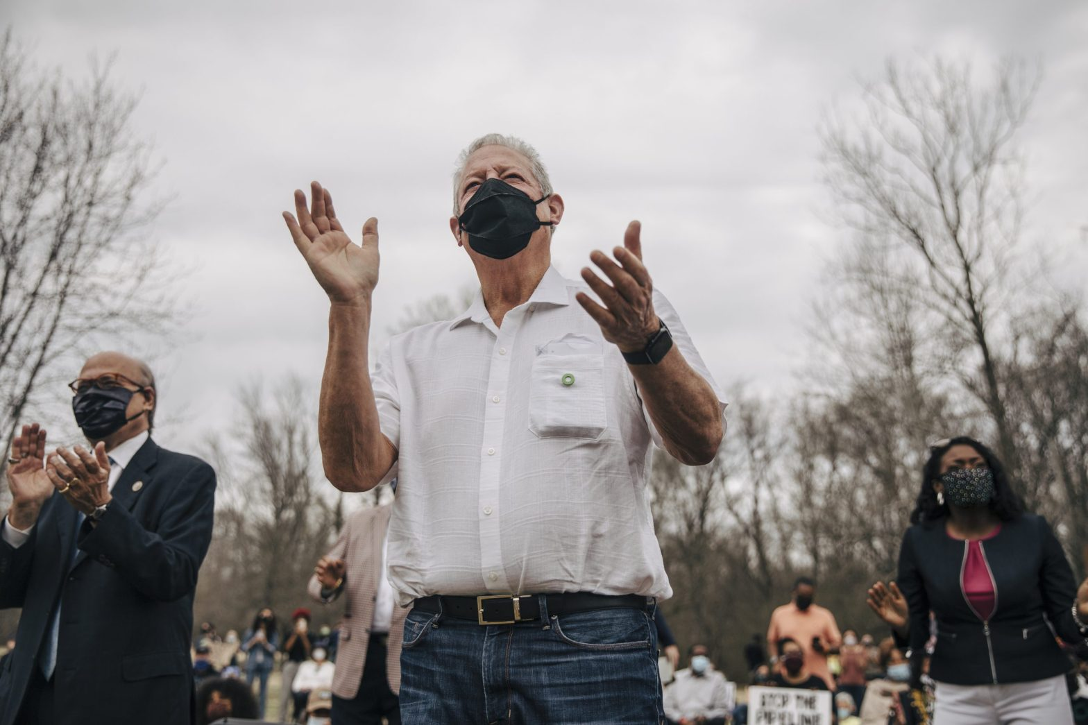 Former Vice President Al Gore claps while at a rally organized by the Memphis Community Against the Pipeline at Alonzo Weaver Park on Sunday afternoon. Gore and his organization Climate Reality have spoken out against the Byhalia Connection Pipeline project that is proposing a route through southwest Memphis neighborhoods that are primarily Black. Credit: Andrea Morales for MLK50