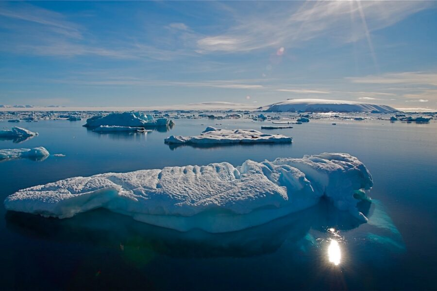 The accelerating breakup of Antarctic ice shelves along the Antarctic Peninsula is intensifying concerns about sea level rise. Credit Bob Berwyn