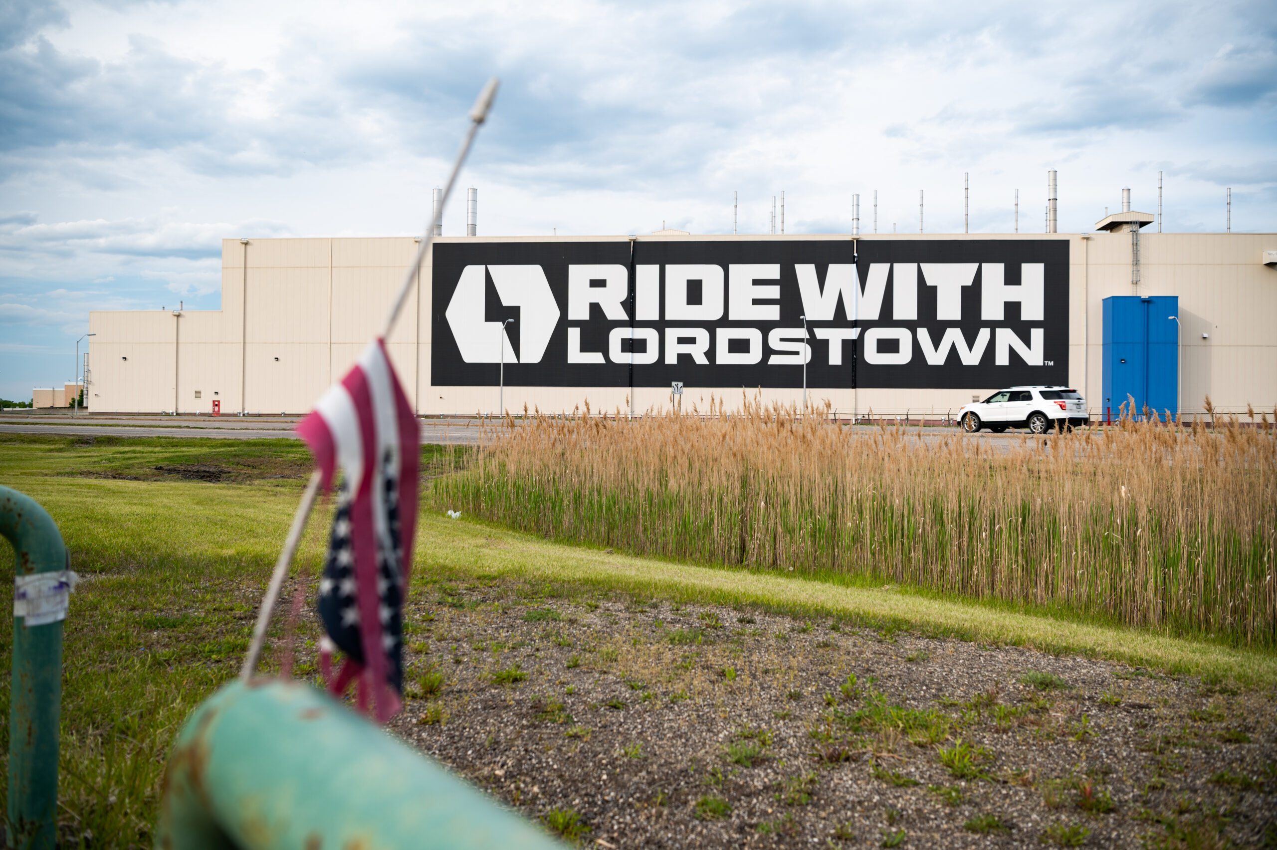Signage outside Lordstown Motors Corp. headquarters in Lordstown, Ohio, on May 15, 2021. Credit: Dustin Franz/Bloomberg via Getty Images