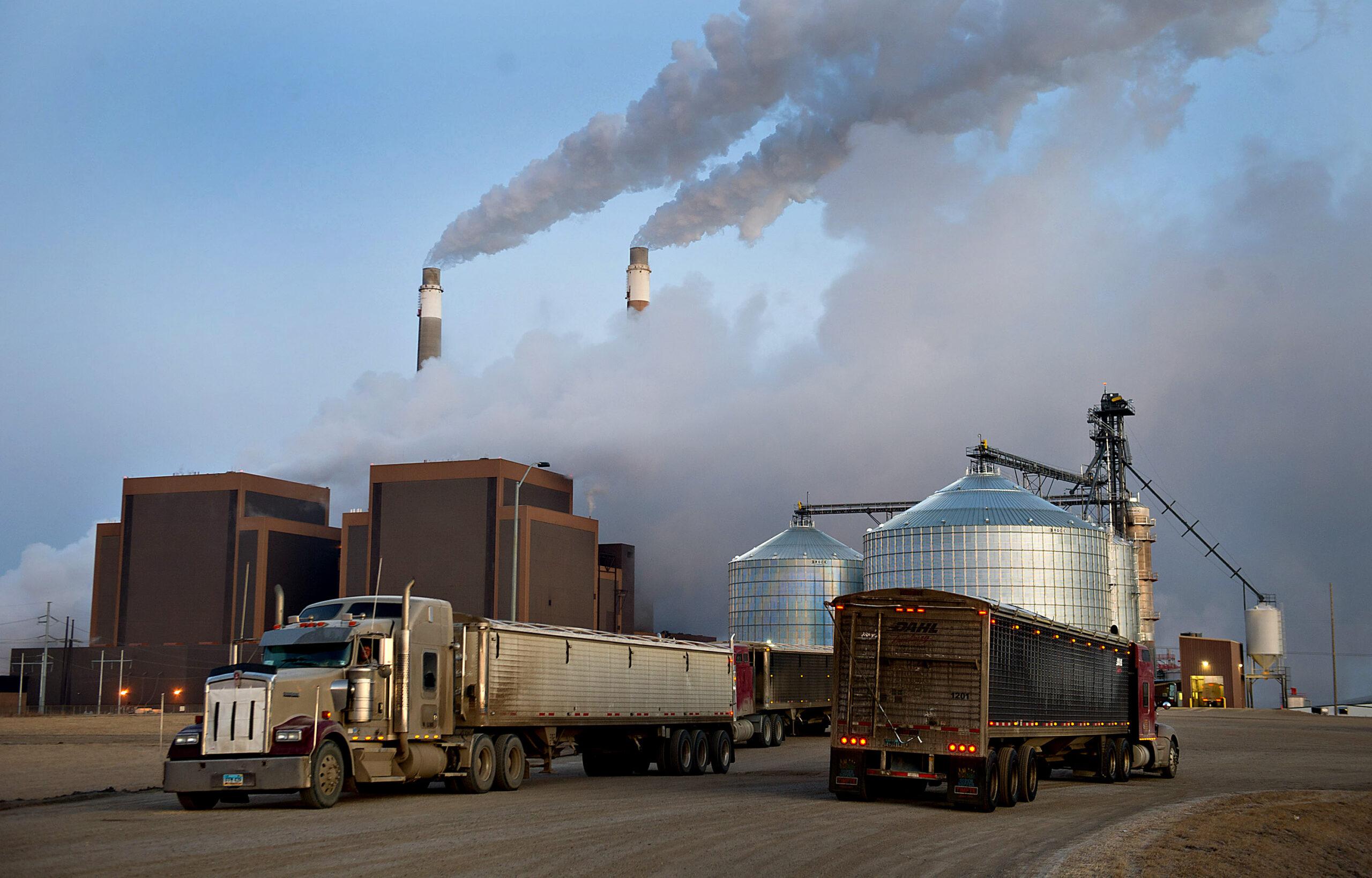 Trucks wait to enter the Great River Energy Blue Flint Ethanol plant in Underwood, North Dakota, on Thursday, Feb. 9, 2012. Credit: Daniel Acker/Bloomberg via Getty Images